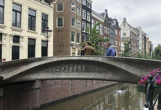 Ponte stampato in 3D: inaugurato in Olanda il primo ponte 3D in acciaio!